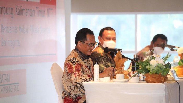 MENDAGRI - Mendagri Tito Karnavian saat pembekalan Pilkada Berintegritas 2020 di salah satu hotel di Batam, Provinsi Kepri, Selasa (10/11/2020). Ia meminta Pemda menganggarkan penanganan Covid-19 khususnya untuk testing dan treatment ke warga.