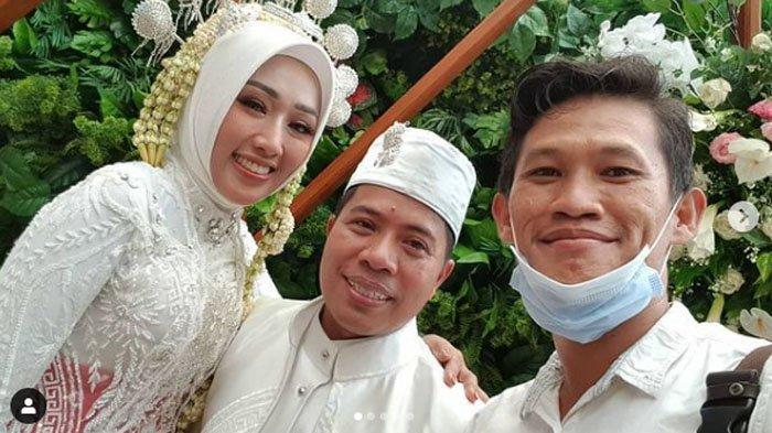Pengantin Baru Mulyadi P Tamsir dan Istri Masuk Daftar Penumpang Sriwijaya SJ182