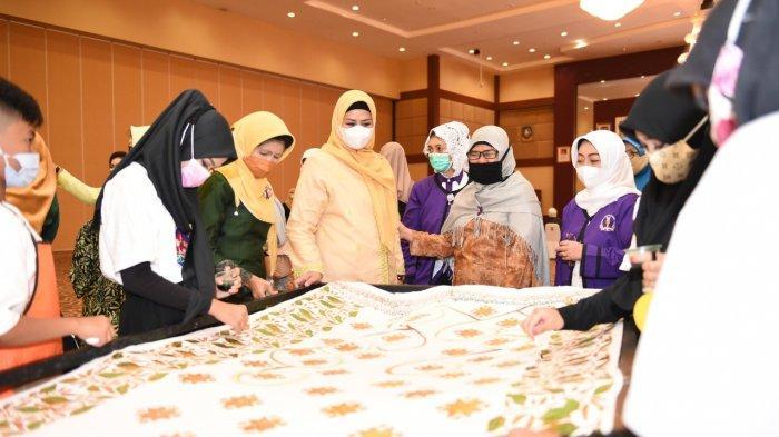 Ketua PKK Kepri Dewi Kumalasari Lantik Perempuan Pemimpin Indonesia, 'Ayo Bangun Kepri'