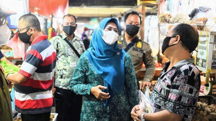 Dewi Kumalasari Bareng TP-PKK Kepri Sebar 20 Ribu Masker di Tanjungpinang