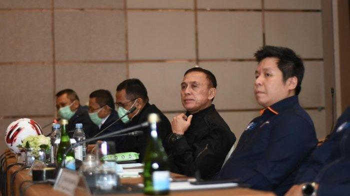 Ketua Umum PSSI, Mochamad Iriawan, melakukan pertemuan dengan klub Liga 1 dan Liga 2 di Jakarta, Senin (16/3/2020)
