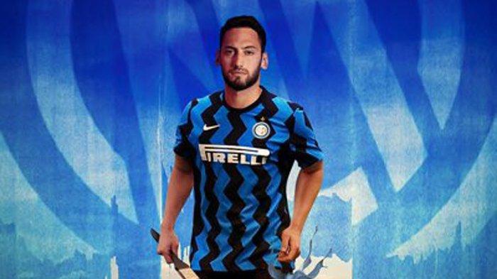 Khianati AC Milan, Hakan Calhanoglu Resmi Gabung Inter Milan