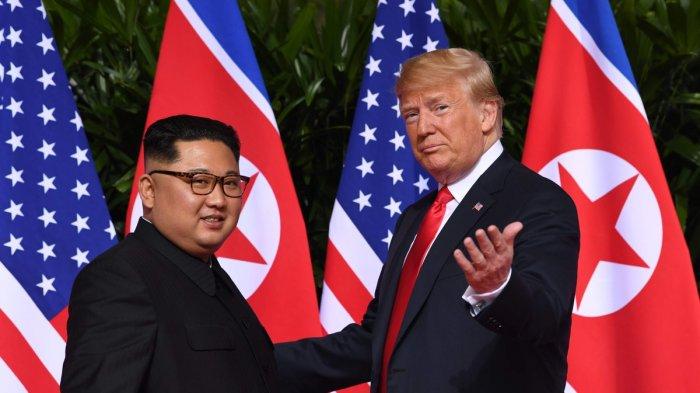 Kim Jong-un - Donald Trump Berjabat Tangan. Ini Ucapan Pertama Kim Jong-un pada Trump