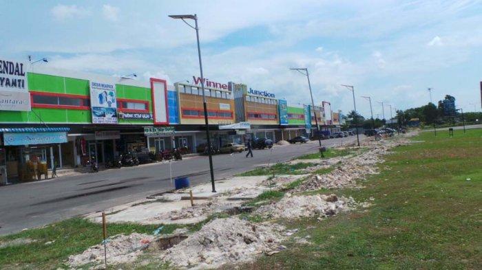 Berdalih Sudah Urus Izin, Pengembang Kembali Bangun Kios di Depan Ruko Winner Junction