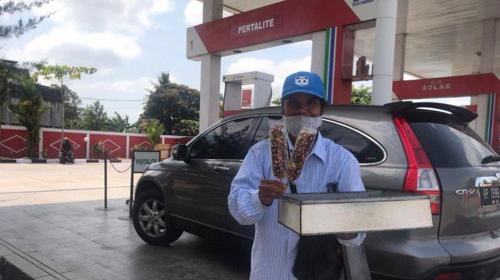 KISAH Ilias si Penjual Roti, Jalan Kaki Keliling Tanjungpinang-Bintan Demi Bertahan Hidup
