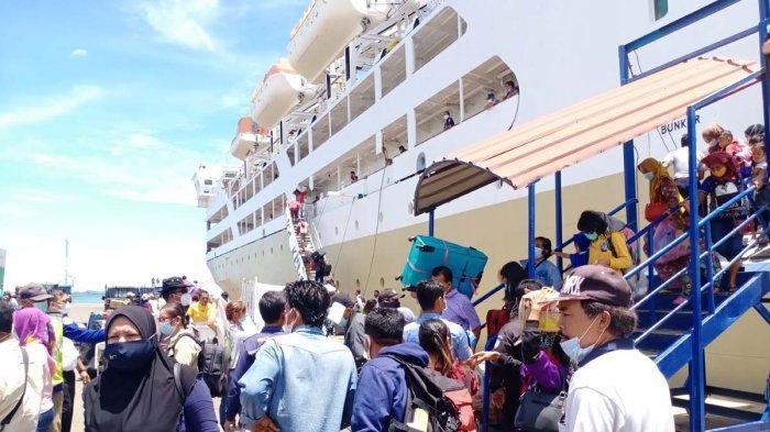 Kapal Pelni KM Kelud Sempat Kesulitan Sandar di Pelabuhan Batu Ampar, Arus Laut Kuat