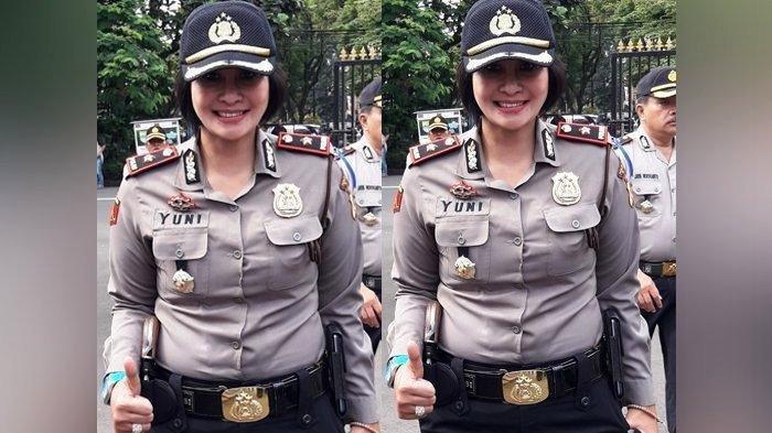 Kompol Yuni Purwanti Kusuma Dewi kini menjabat sebagai Kapolsek Astanaanyar Kota Bandung, ditangkap Propam karena narkoba di sebuah hotel di Bandung.
