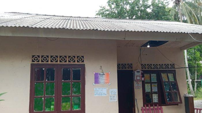 Bangunan Polindes Tanjung Irat Lingga Memprihatinkan, Penghuni Khawatir Atap Ambruk