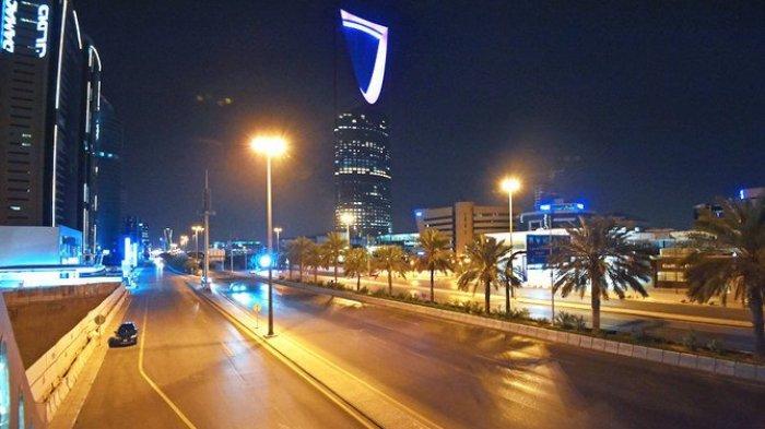 Kondisi jalanan sepi di Arab Saudi pasca wabah Covid-19.