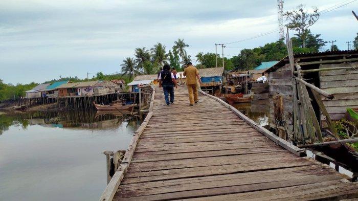Jembatan Desa Tanjung Irat Lingga Butuh Perhatian, Camat Usulkan Masuk Musrenbang