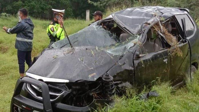 Kecelakaan Maut Tewaskan 1 Keluarga, Mobil Avanza yang Mereka Tumpangi Tiba-tiba Terbalik