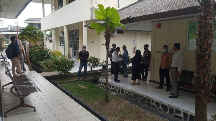 PN TANJUNGPINANG - Kondisi PN Tanjungpinang jelang sidang korupsi izin tambang yang diungkap Kejati Kepri dengan 12 tersangka, Jumat (13/11/2020).