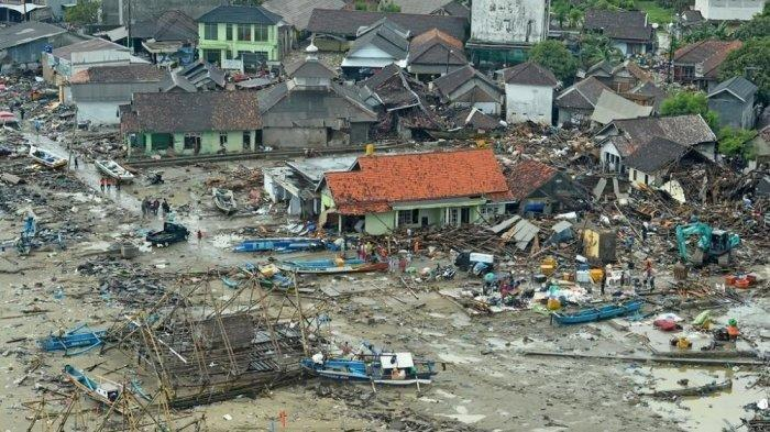 BMKG Imbau Warga Jauhi Pantai Pesisir Selat Sunda Hingga Radius 1 Km. Ini Alasannya!