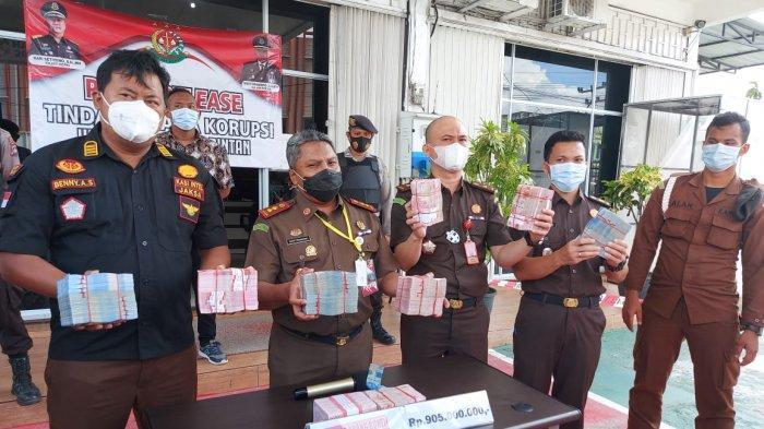 Kejari Bintan gelar konferensi pers pengembalian uang kasus korupsi PT BIS di Kejari Bintan, Senin (14/11/2020). Foto ilustrasi