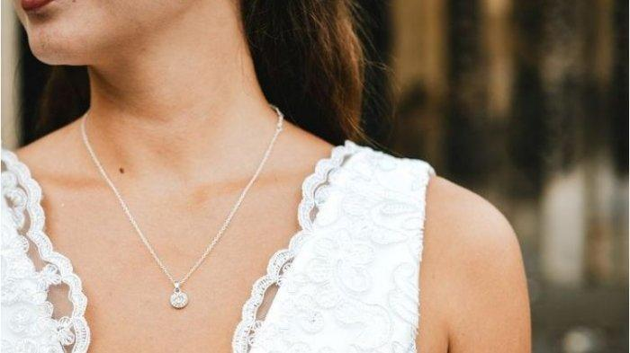 Dapatkan Kulit Leher Tampak Kencang dan Awet Muda dengan 5 Tips Berikut Ini