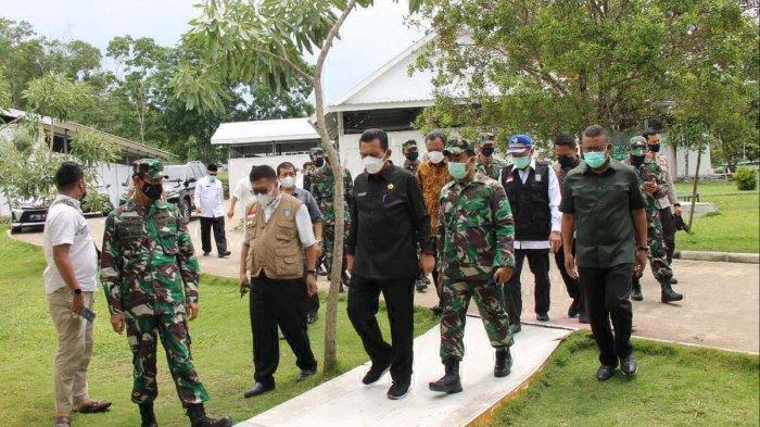 Kunjungan Gubernur Kepri Ansar Ahmad dan rombongan di Rumah Sakit Khusus Infeksi/ RSKI Covid-19 Galang Kota Batam, Kamis (6/5/2021).