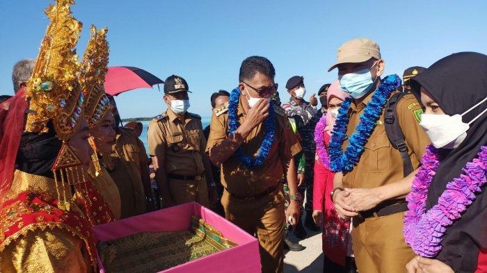 Bupati Natuna Beserta Rombongan Kunjungan Kerja Perdana ke Kecamatan Pulau Laut