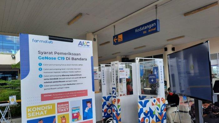 Papan informasi cara mendaftar GeNose dan syarat pemeriksaan di Bandara Raja Haji Fisabilillah Tanjungpinang, Senin (19/4/2021).