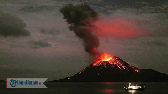 Tsunami Selat Sunda Bukan Karena Erupsi, Mbah Rono : Jangan Kriminalisasi Gunung Anak Krakatau