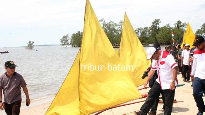 Lomba Jong Di Pulau Buru Bikin Hari Kemerdekaan Kian Meriah Halaman 1 Tribun Batam