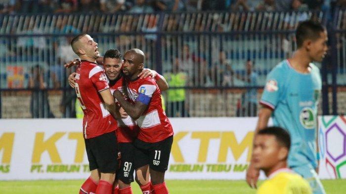 Hasil Madura United vs Persela Lamongan, Gol Beto Bawa Sape Kerrab Unggul Babak Pertama