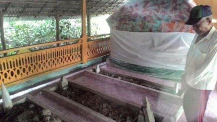 Makam Putri Pinang Masak di Desa Senuro, Kecamatan Tanjung Batu, Ogan Ilir.