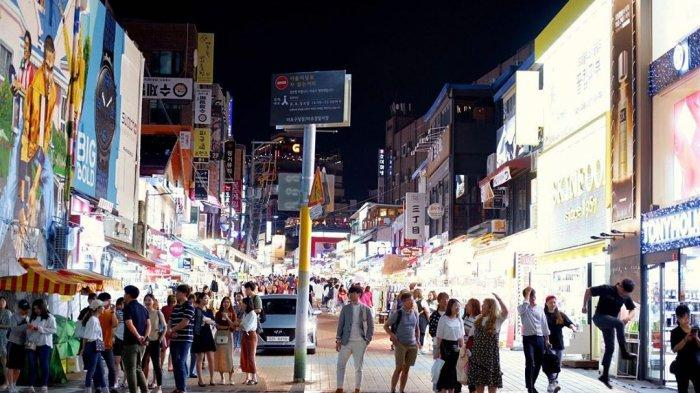 malam-hari-di-hongdae-seoul.jpg