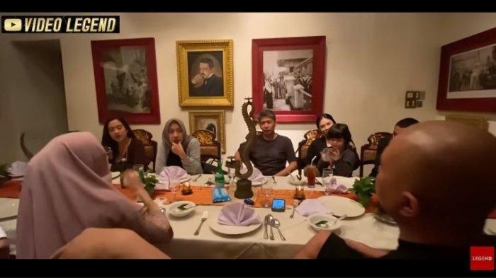 Ahmad Dhani Makan Bareng dengan Mantan Suami Mulan Jameela, Kompak Ngobrol Soal Ini