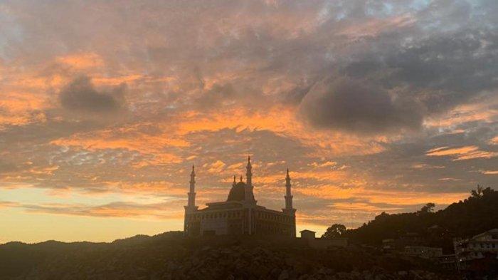 Mengenal Masjid Baitul Ma'mur Anambas, Bangunan Megah Jadi Ikon Baru Religi