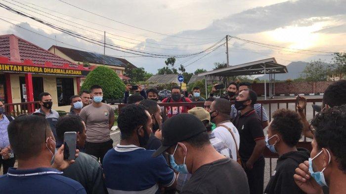 Warga Datangi Polres Bintan, Minta Polisi Proses Hukum Oknum Pekerja PT BAI