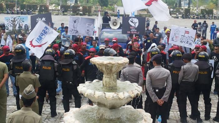 Hormati Pelantikan Bupati Karimun, Hari Ini Buruh FSPMI Hentikan Unjuk Rasa