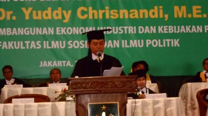 Menpan RB Raih Gelar Profesor dan Guru Besar di Universitas Nasional