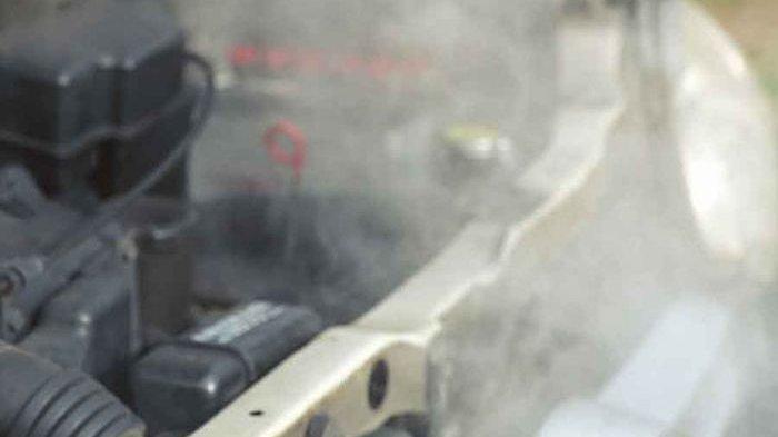 Mobil Terbakar di Simpang Hang Nadim Batam, Kenali Penyebab Mobil Terbakar