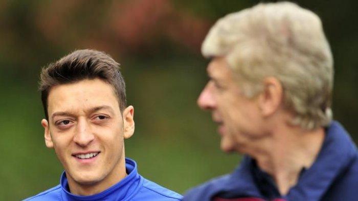 Mesut Ozil Tak Lagi Dimainkan di Arsenal, Arsene Wenger: Padahal Orang ke Stadion Untuk Melihat Dia