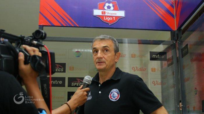 Bursa transfer 2019 Arema FC Gaet Takafumi Akahoshi, Lepas Pavel Smolyachenko