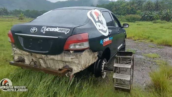 VIRAL DI MEDSOS, Foto Toyota Vios Untuk Bajak Sawah, Ban dan Bumper Belakang Diubah Total