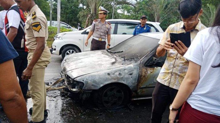 Sebelum Mobil Terbakar di Simpang Lampu Merah, Herlin Sempat Cium Bau Kabel Terbakar Tapi Dicuekin