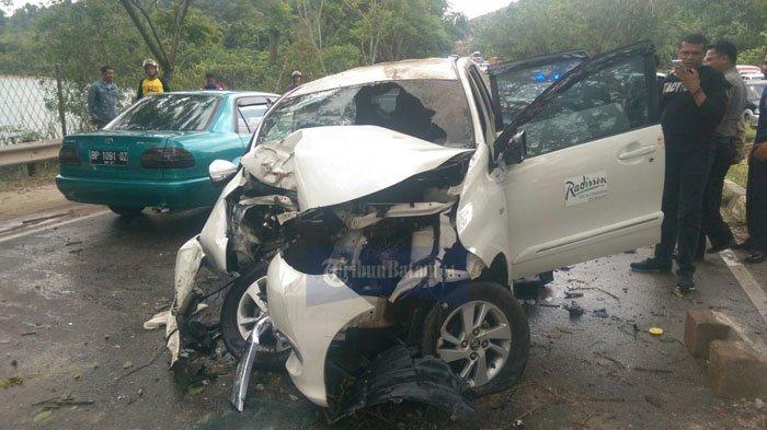 Mobil yang Alami Kecelakaan Dekat Bukit Daeng Milik Radisson Hotel