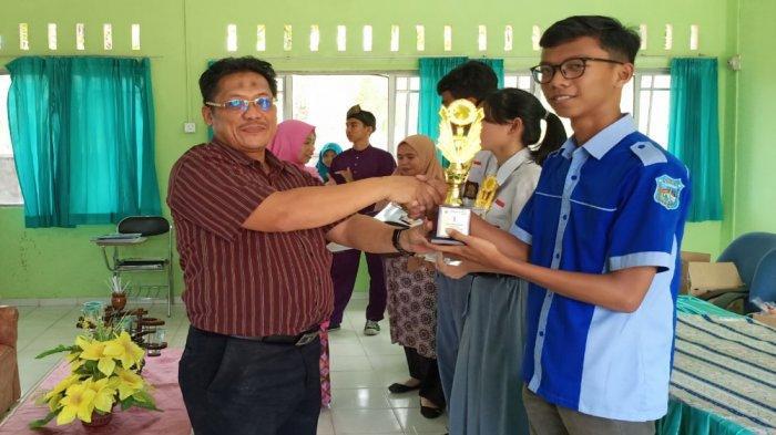 Muhammad Sivana Juara Lomba Poster STAI MU Tanjungpinang, Dinilai dari Ketepatan Tema & Kreativitas
