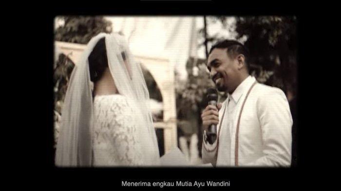 Satu Tahun Pernikahan, Mutia Ayu Rilis Lagu 'Itu Saja', Harap Mendiang Glenn Fredly Bangga