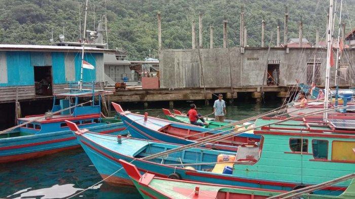 NELAYAN ANAMBAS - Lokasi pelabuhan di jalan Amat Yani, Desa Tarempa Barat, Kecamatan Siantan dimana kapal-kapal nelayan Anambas bersandar, Jumat (4/12/2020).