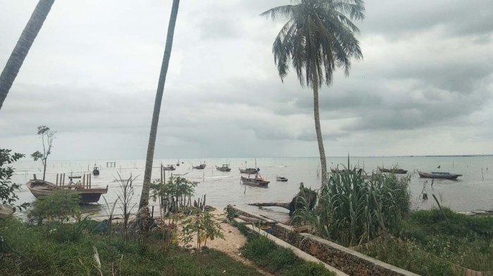 Sejumlah kapal milik nelayan yang berada di Tanjung Harapan, Kecamatan Singkep, Kabupaten Lingga, Provinsi Kepri, Rabu (3/2/2021).