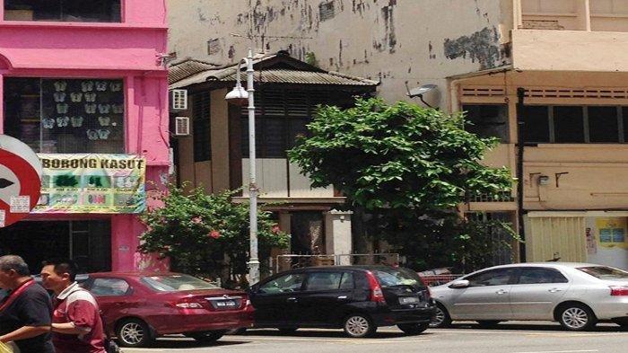 Seperti di Film UP, Nenek Norma Asal Malaysia Ini Tolak Menjual Rumah Lamanya