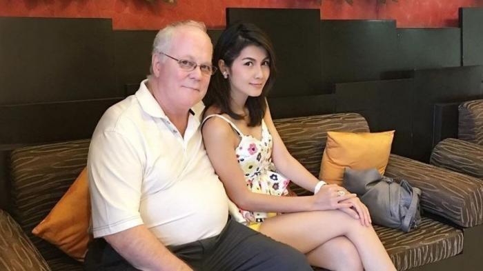 Heboh! Bintang Panas Ini Gugat Cerai Suaminya Gara-gara Takut Meninggal saat Begituan!