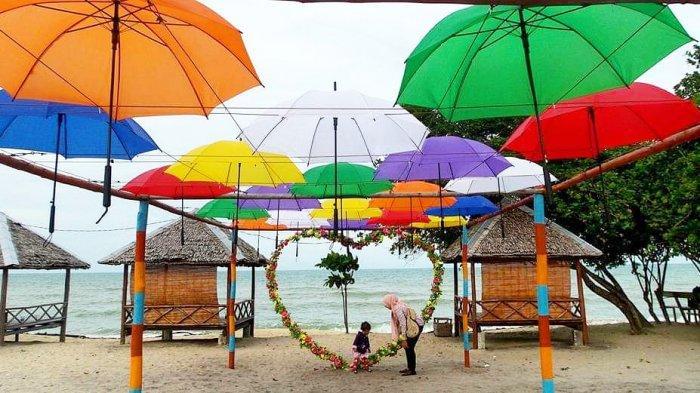 Pantai Payungyang berada di Desa Lanjut