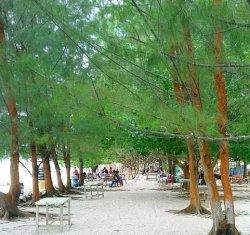 Pantai Pongkar Karimun