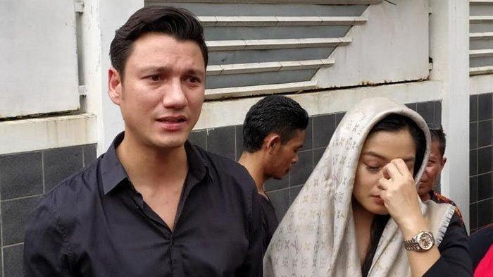 Suami BCL Meninggal Dunia, Christian Sugiono dan Titi Kamal Tak Percaya Kepergian Ashraf Sinclair