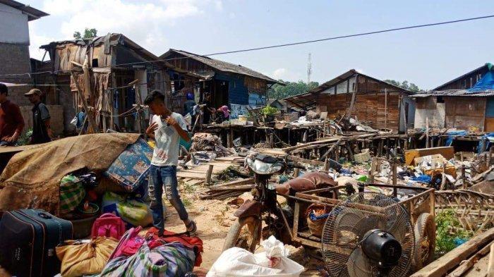 Tanah Timbunan Belakang Pasar Induk Jodoh Amblas saat Warga Tidur Pulas, 1 Orang Meninggal