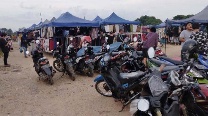 PASAR KAGET - Salah satu pasar kaget di Kecamatan Sagulung, Kota Batam, Provinsi Kepri, Jumat (28/5/2021).
