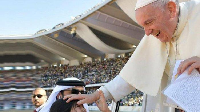 Viral! Tempuh Jarak 13.500 Km, Bocah Asal Kolombia Ini Beri Surat untuk Paus Fransiskus